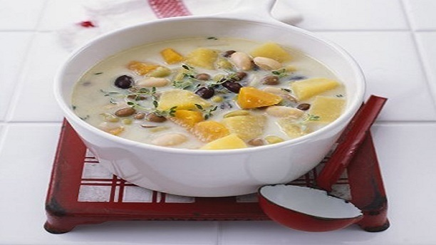 2 Hearty Vegan Soups to Keep You Warm This Winter