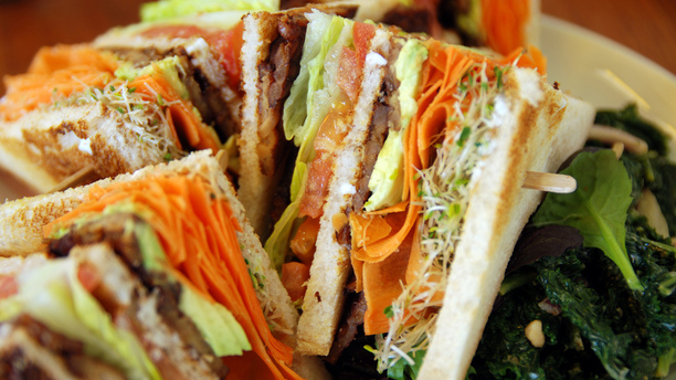 The Best Vegan Bacon for Your BLT